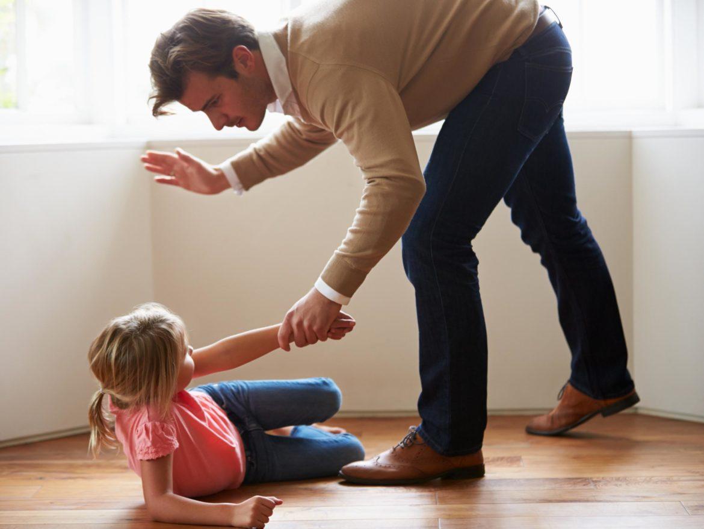 kary cielesne, ojciec, córka, przemoc domowa