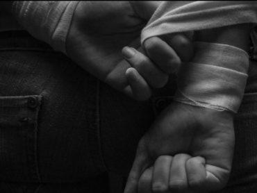 Samookaleczanie, dziewczyna, ręce, opatrunek,