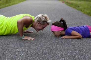 Aktywność fizyczna, trener, dziewczynka, motywacja, sport